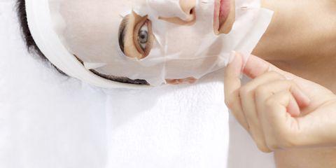 10 Sheet Mask Terbaik Untuk Wajah yang Kinclong!
