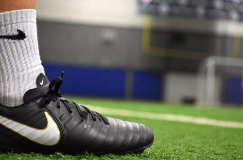 10 Rekomendasi Sepatu Bola Keren Untuk Permainan yang Maksimal!