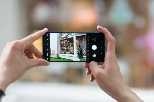 8 Smartphone dengan Kamera Depan Terbaik Untuk Kamu yang Suka Selfie!