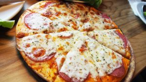 Mau promo domino pizza terbaru? Cek di DiskonAja. Dominos Pizza wajib sampai haya 30 menit. Domino's pizza menu lengkap ada nasinya loh!